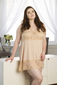 Ultra Soft Long Slip in Lurex Lace