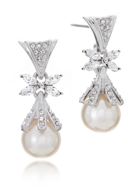 Elegant Gala Pearl Earrings