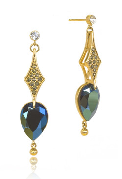 Brilliantly Hand Carved Pear Shape Sapphire Color Crystal Drop Earrings 21368