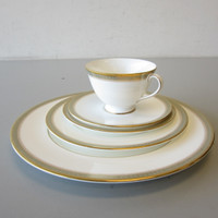 5-Pc Place Setting Royal Doulton China CLARENDON H.4993 Multiple Available