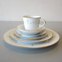Noritake China COURTNEY #6520 6-Piece Place Setting Plates Cup Saucer Fruit Bowl