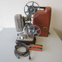 Vintage Revere 1940's Model 48 16mm Film Movie Projector w/Spare Bulb