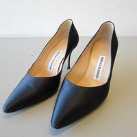 Manolo Blahnik Black Satin Pointed Toe Pumps Heels EU 38.5 US 8-1/2