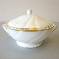 Wedgwood CROWN GOLD Covered Vegetable Bowl Dish White China w/Gold Trim