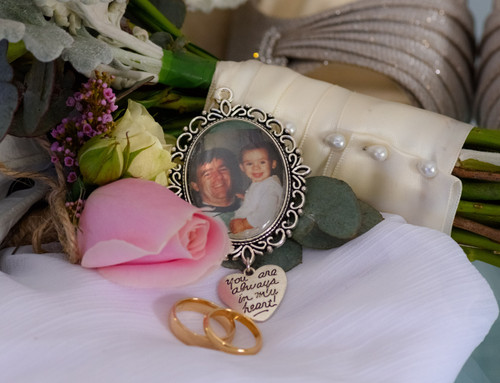 "Bouquet Charm (Oval w/ ""You are always in my heart"" charm)- Indie Design"