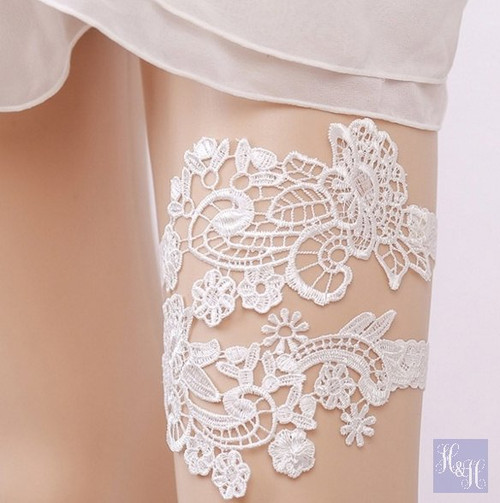 Elegant White garter set - Killara design