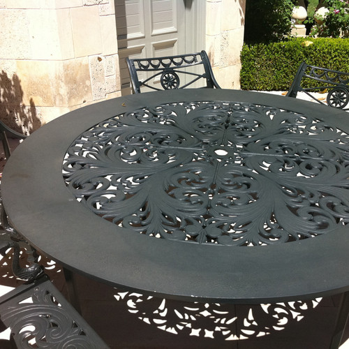 "Filigree Design 66"" Diameter Dinning Table with 4 Post Legs"