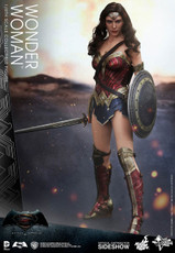 hot toys wonder woman figure