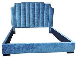 7032 Courtly Bed