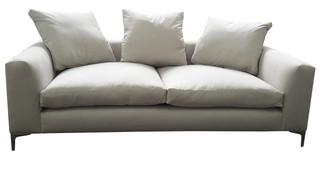 5835 Ute Sofa