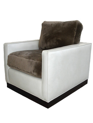 C9116 Lyon Chair with Swivel