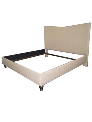 C7040 Cosmopolitan bed