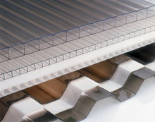 Polycarbonate structured and corrugated sheeting