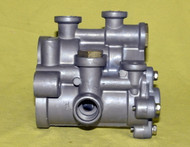 BENDIX HYDRAULIC BRAKE VALVE ( HR-1 )