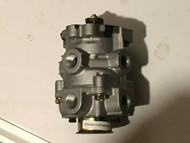 BENDIX AIR BRAKE  FOOT VALVE  106453