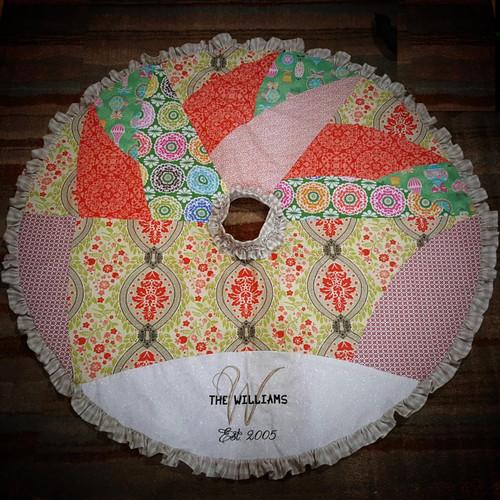 Piecework Christmas Tree Skirt w/Monogram
