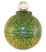 Lizard Green Crackle 4 Inch Kugel