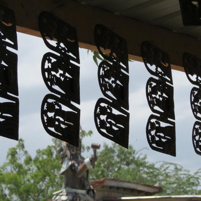 img-6533-640x640-haitian-metal-art-nativity.jpg