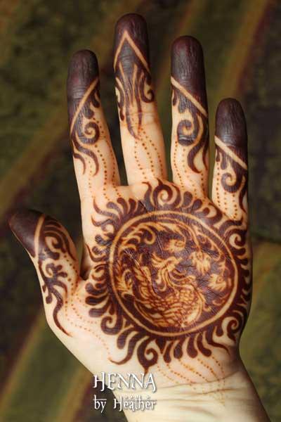 mohana-henna-2016-phoenix-palm-mehndi-design-small.jpg