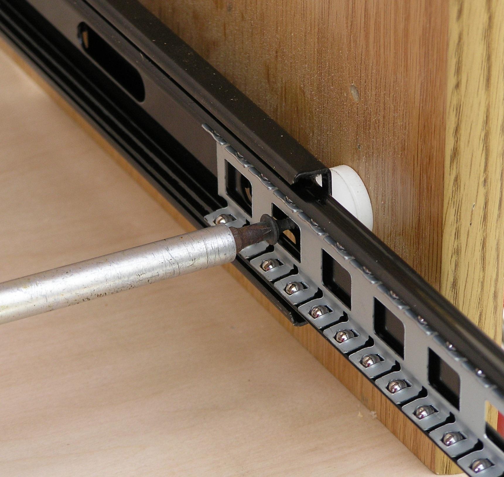 stand-off-slide-shelf-001.jpg