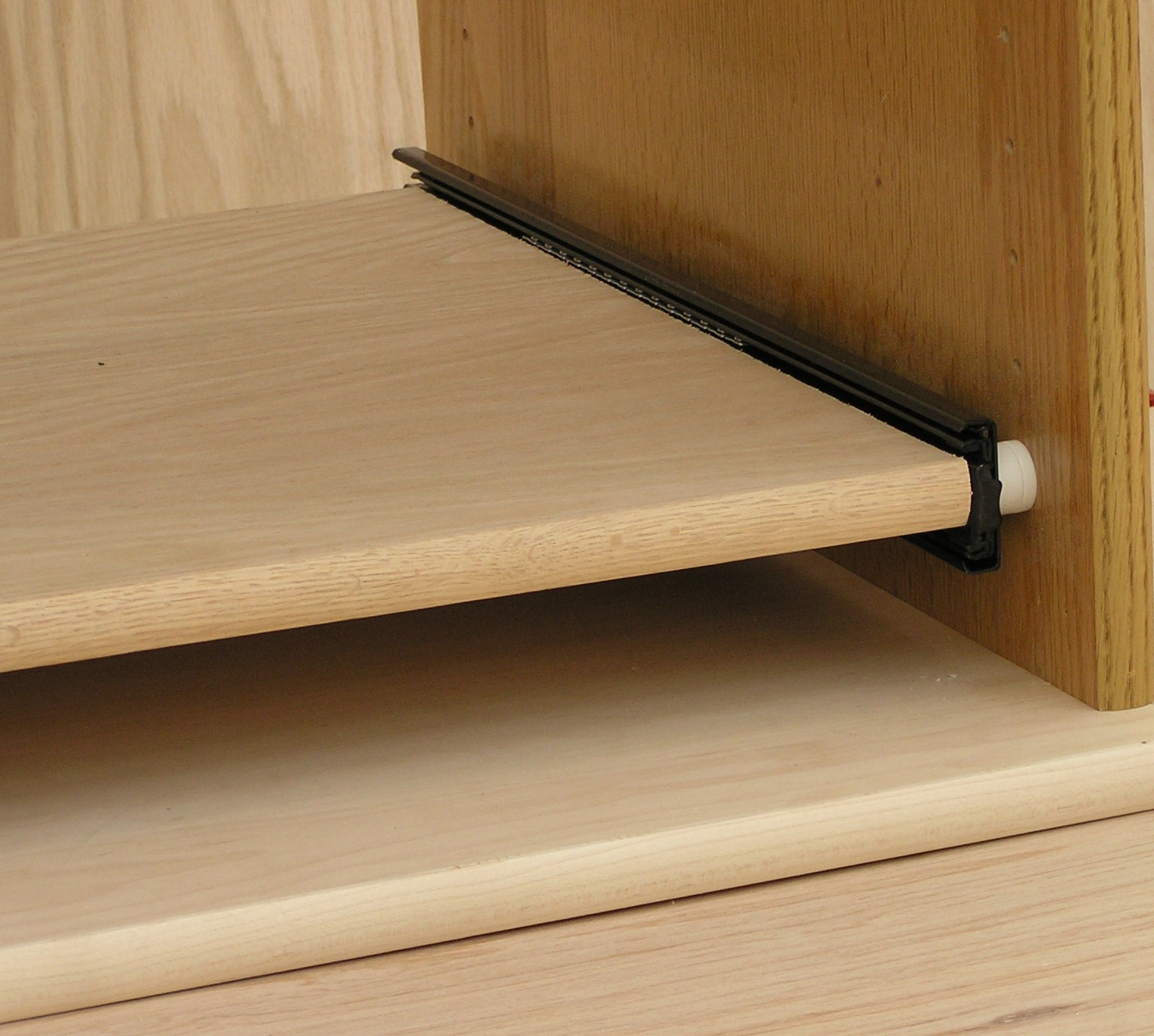 stand-off-slide-shelf-010.jpg
