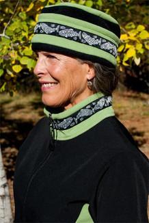 AURORA HAT / (Windblock Fleece) / Pistachio, Black, / Salmon-Grey (trim)