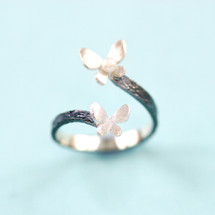 Cyttaro - Oxidised Silver Butterfly Ring