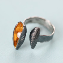 Cyttaro - Oxidised Silver Mussels Ring