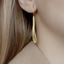 Cyttaro_gold_plating_peridot_crushed_precious_stones_barnacles_earrings_handmade_statement