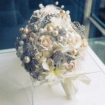 ball round ivory flower bouquet wedding bridal