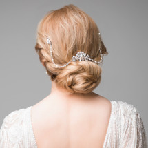 Elegant vintage style diamante & crystal hair comb with 2 crystal drapes. Perfect for a vintage bridal look or and elegant evening up do.