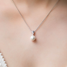 'Daenerys' Teardrop Crystal and Pearl Necklace