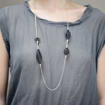 VLUM - 'Sautoir Volubile' Long Necklace With Black Mesh and Gold Finish