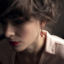 VLUM - Épineuses Red And Gold Plated Chaînettes Threader Earrings