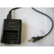Sony BC-CS2A AA / AAA Battery Charger Charges Either 2 AAA Batteries - EE683320