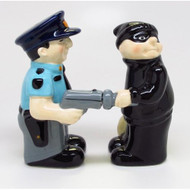 Cop And Robber Attractives Salt Pepper Shaker Made Of Ceramic - DD649705