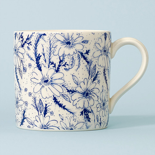 Ceramic Vintage Daisy mug. Made in England.