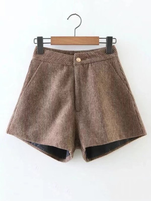 Ribbed Corduroy Shorts  	A205