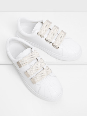 Round Toe Low Top PU Sneakers A168