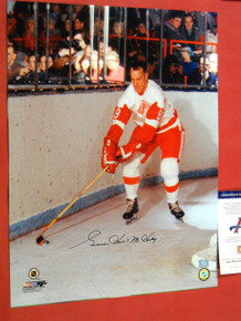 GORDIE HOWE AUTOGRAPHED 16X20 PHOTO DETROIT RED WINGS AAA MR HOCKEY