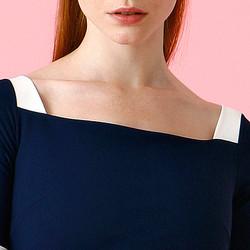 Tati Dress Ciara Boni Le Petite Robe neckline