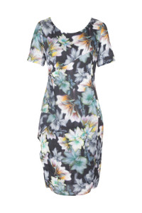 Liz Quin Floral Print Dress This floral, fitted dress features a round neckline, short sleeves, a ruffle on the waistline and falls  below the knee in length.Perfect for smart occasions.