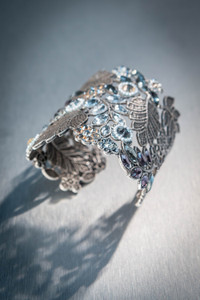 Par Whyte Decorative Crystal Cuff