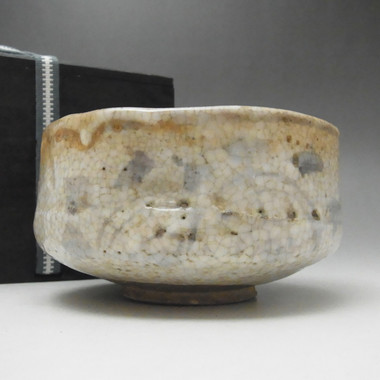 Antique Japanese Shino Pottery Tea Bowl w box in Edo