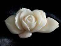 sale: OBIDOME Japanese White and Pink Coral Sash Clip Carved Rose