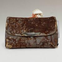 Antique Japanese Leather Pouch w Netsuke in Meiji #401