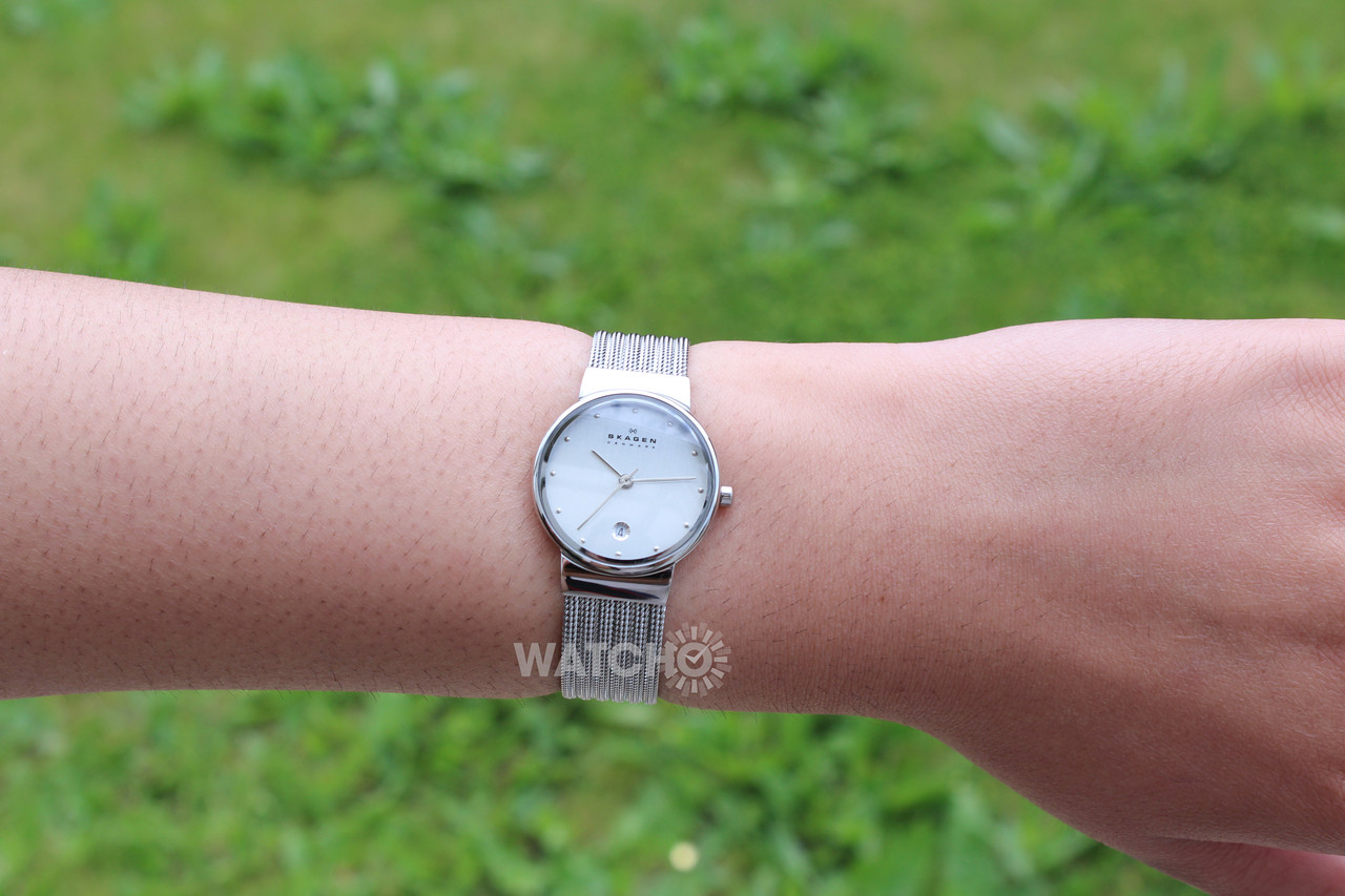 Watch Review - Skagen 355SSS1 Ladies Silver-Tone Watch