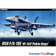 Academy 12547 1/72 Plastic Model Kit USN F/A-18E VFA-143 Pukin Dogs