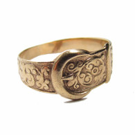 9ct Gold Ornate Buckle Style Ring, Size W