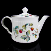Royal Worcester 1.5 Pint Strawberry Fair Fluted Teapot